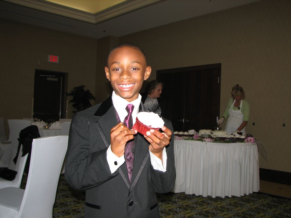 Aaron and the Cupcake