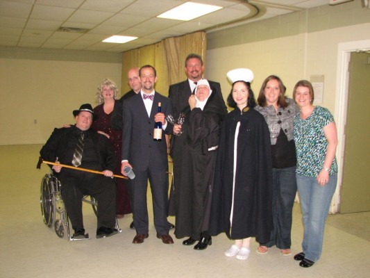 The cast of the Murder Mystery - MJ Gottricks, Rita Gottricks, Father Mike, Javier Montoya (or is he????) Jack Spade, Sister Mary Rose of Sharon and Nurse Jenny, along with Courtney and Jennifer who organised the evening.